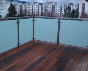 Francúzke balkóny a stlpikové zabrádlia