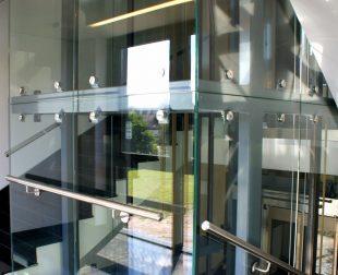 sklenené opláštenie výťahov