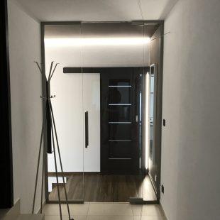 Sklenené otváracie dvere